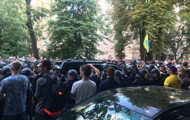 Поліція затримала учасника протесту під Радою