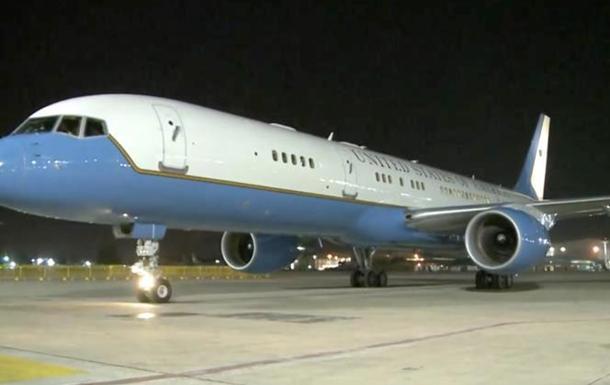 Трампа после встречи с Путиным будет ждать запасной самолет в Таллине - СМИ