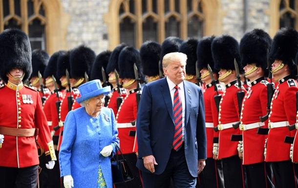 Елизавета II приняла чету Трампов