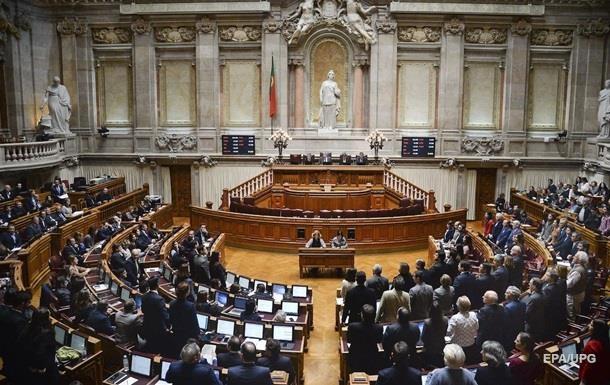 Парламент Португалии узаконил смену пола без заключения медиков