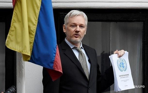 Ассанжа зібралися виселити з посольства Еквадору в Лондоні