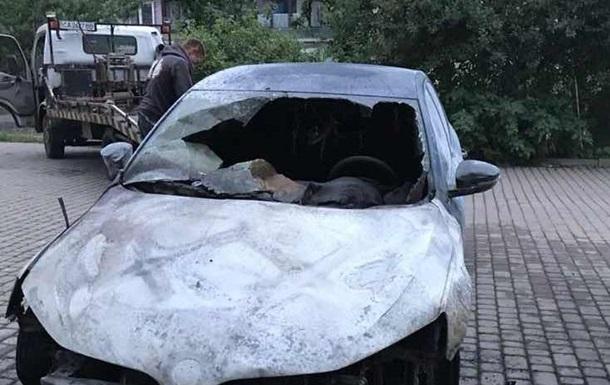 Автомобиль пограничника сгорел в Ужгороде