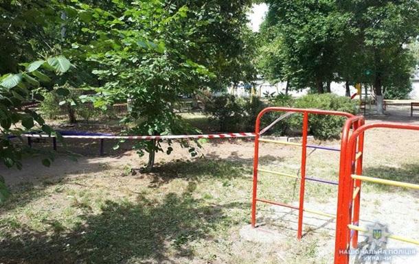 На дитячому майданчику в Краматорську хлопчик знайшов снаряд