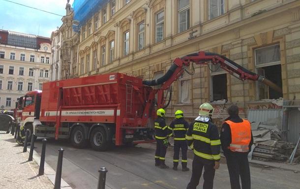 У центрі Праги обвалилася будівля, під завалами опинилися п ять осіб