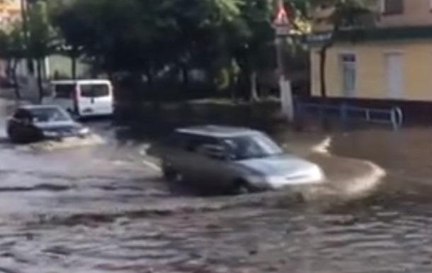 Злива затопила вулиці Житомира