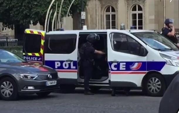 У Парижі з магазину вкрали годинників на 200 тисяч євро
