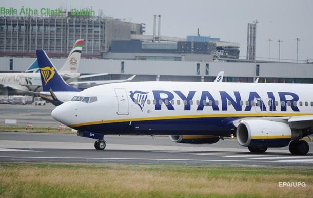 Ryanair отменил рейсы для 50 тысяч пассажиров из-за забастовки бортпроводников