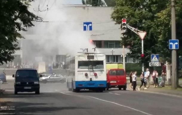 У Луцьку загорівся тролейбус