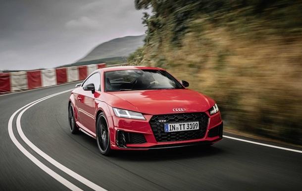 Обновленное семейство Audi ТТ показали официально