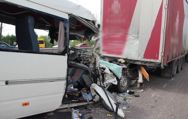 ДТП у Житомирській області: встановлено особи чотирьох загиблих