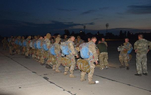Морпехи выполнили ночное десантирование