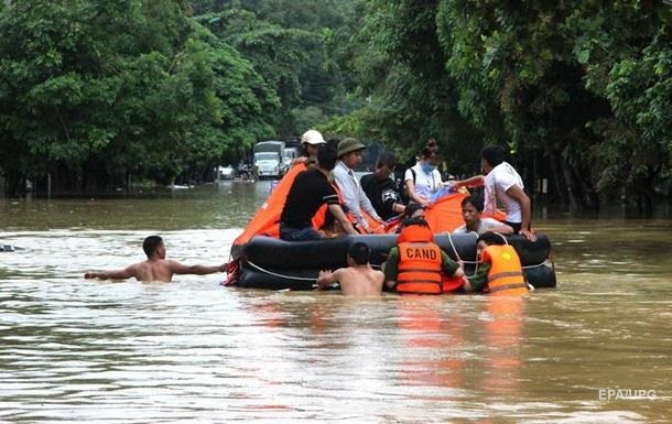 Наводнение во Вьетнаме унесло жизни десяти человек