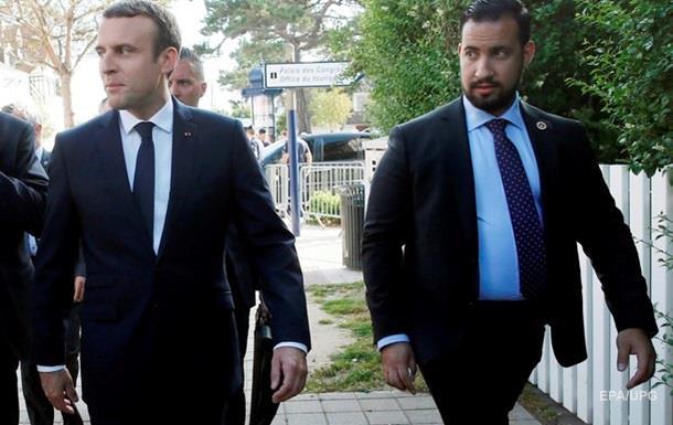 Экс-советнику Макрона предъявили обвинения – СМИ