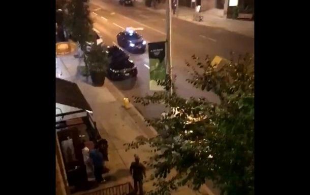 В Торонто вооруженный мужчина устроил стрельбу