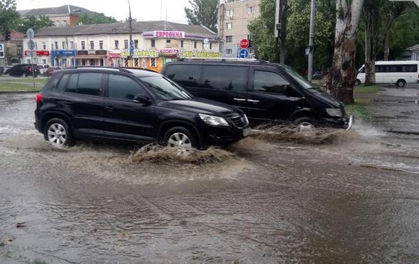 Центр Миколаєва затопило