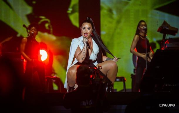 Співачка Демі Ловато госпіталізована після передозування