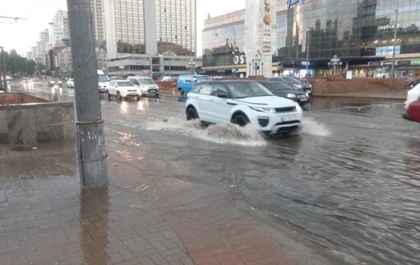 Підсумки 25.07: Потоп у Києві і декларація щодо Криму
