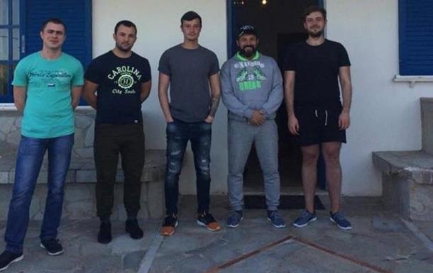 Греція звільнила 12 українських моряків