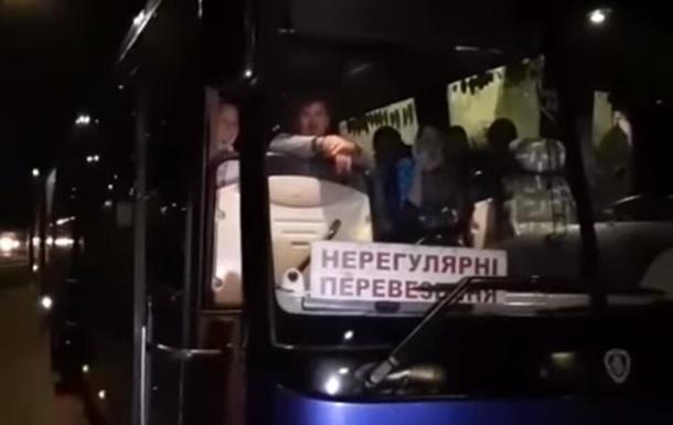 Під Рівним в автобусах УПЦ МП шукали вибухівку