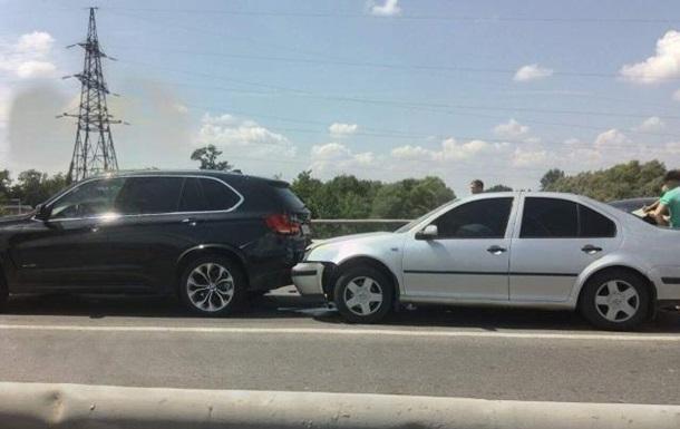 У Мукачеві сталася потрійна ДТП на мосту