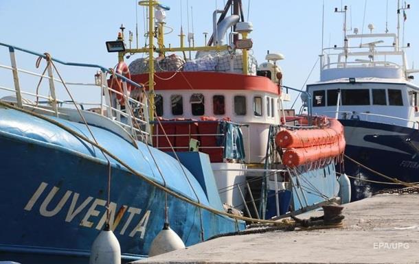 В Италии обвиняют волонтеров в пособничестве нелегальной миграции