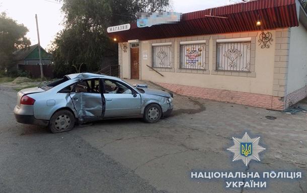 Под Одессой авто протаранило магазин