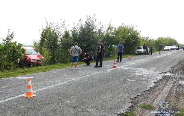 ДТП у Рівненській області: машина наїхала на жінку із двома дітьми