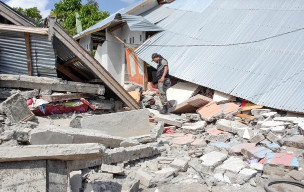 Выросло число жертв землетрясения в Индонезии