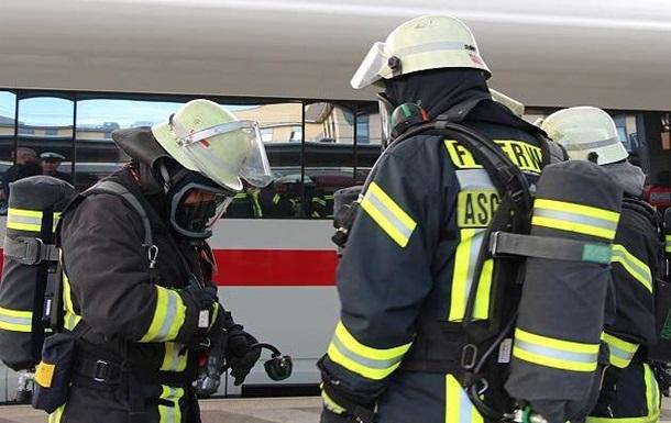 У Німеччині пасажирів поїзда евакуювали через невідому речовину