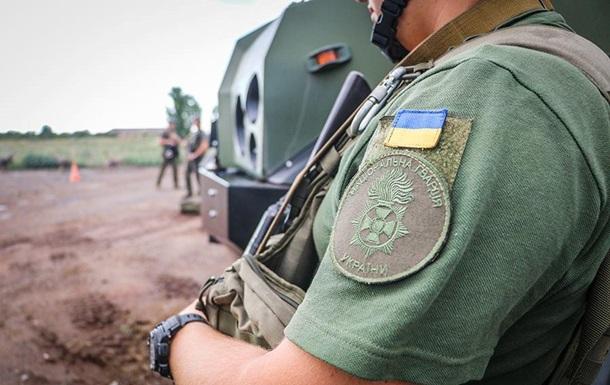 Доба на Донбасі: 30 обстрілів, поранений військовий