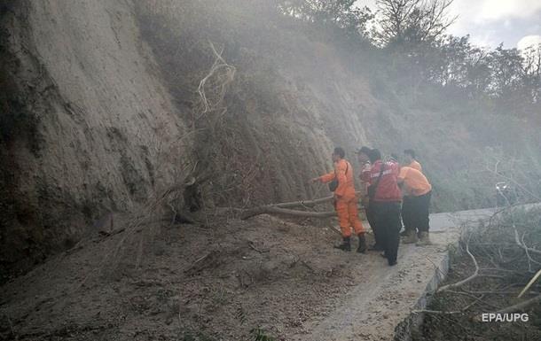 В Індонезії після землетрусу на горі заблоковані 560 альпіністів