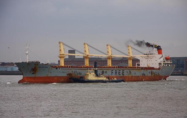 В Україну з Оману повернулися 15 моряків
