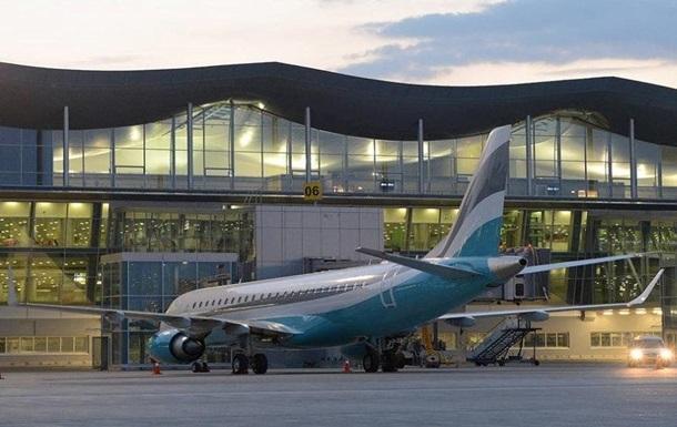Літак зі Львова здійснив аварійну посадку в Києві