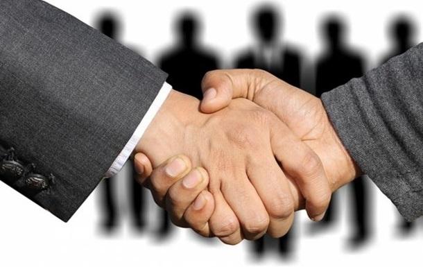 Где пределы сотрудничества с властью?