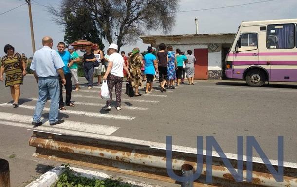 Жителі Одеської області перекрили дві траси