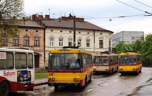 У Львові зупинився рух трамваїв і тролейбусів