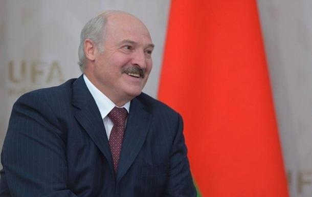 Лукашенко пожартував щодо чуток про інсульт