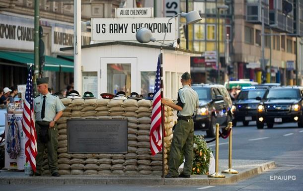 На месте Checkpoint Charlie построят отель