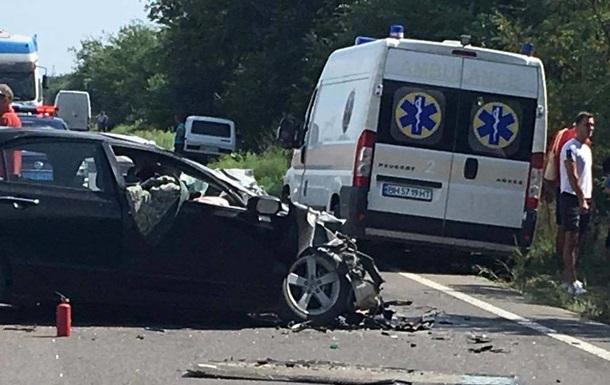В Одеській області авто зіткнулося з автобусом: є жертви