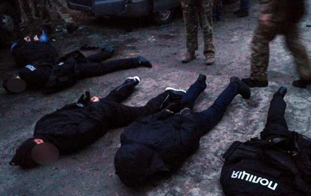 Псевдополіцейські викрадали і катували людей