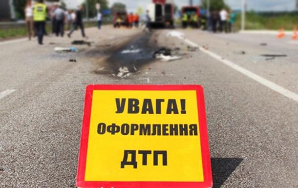 На Чернігівщині перекинувся автобус з дітьми: восьмеро постраждалих