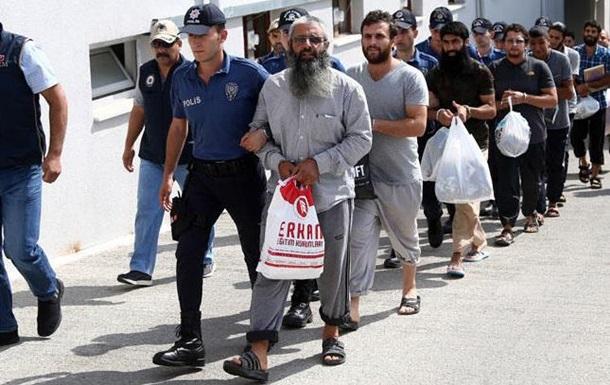 У Туреччині затримали 38 ймовірних бойовиків ІДІЛ
