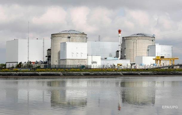 У Франції відключають енергоблоки АЕС через спеку