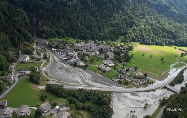 Чотири людини загинули внаслідок аварії літака у Швейцарії