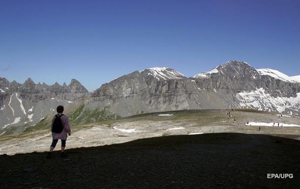 В Альпах разбился самолет: 20 погибших