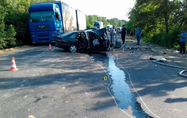 ДТП на Буковині: є жертви, сім постраждалих