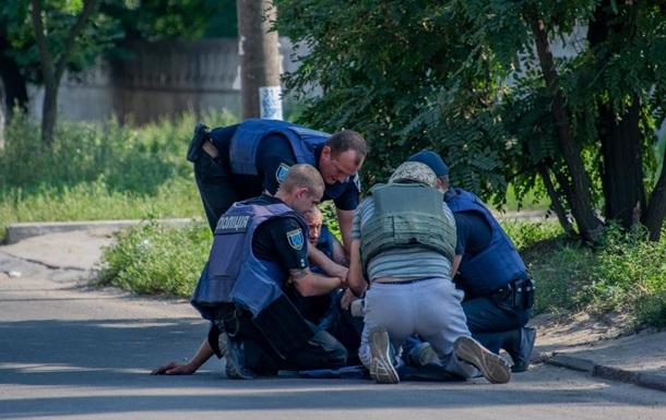 П'яний прикарпатець, погрожуючи підірвати гранату, підняв на ноги поліцію