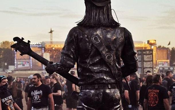 Літні металісти втекли з будинку престарілих на фестиваль
