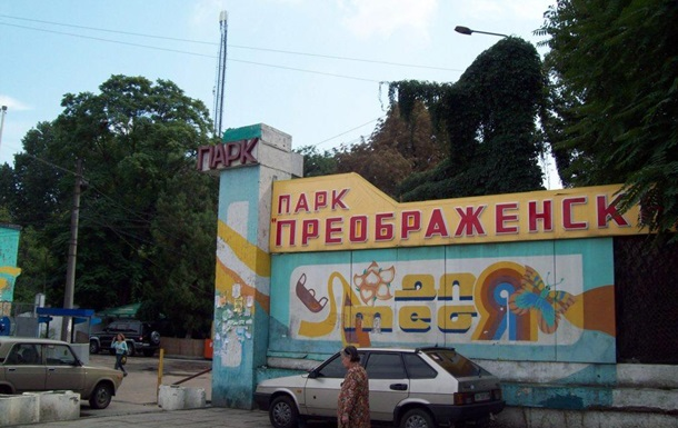 У парку Одеси вночі вкрали 100 нових лавок