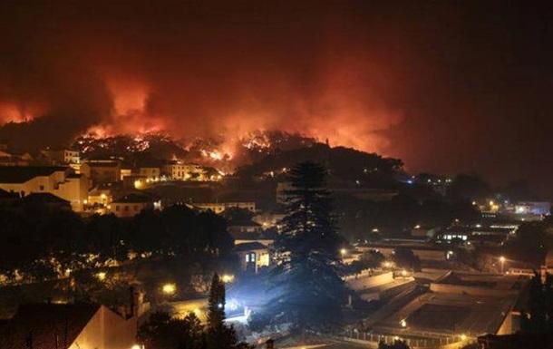 В Португалии возник пожар в курортном регионе, 44 пострадавших